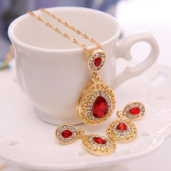 Gold Teardrop Jewelry Set