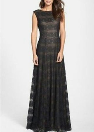 VERA WANG Elegant Formal Lace Gown